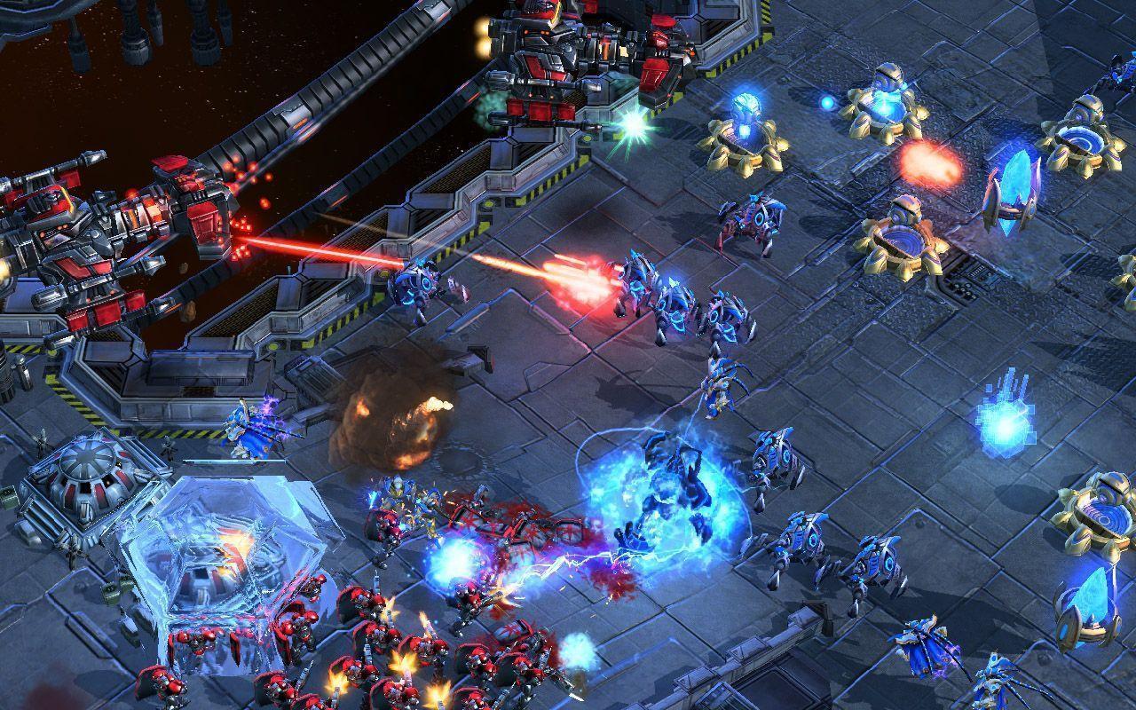 Starcraft II - Le nombre d'éléments sur l'image devrait déjà vous alerter sur la complexité du jeu.