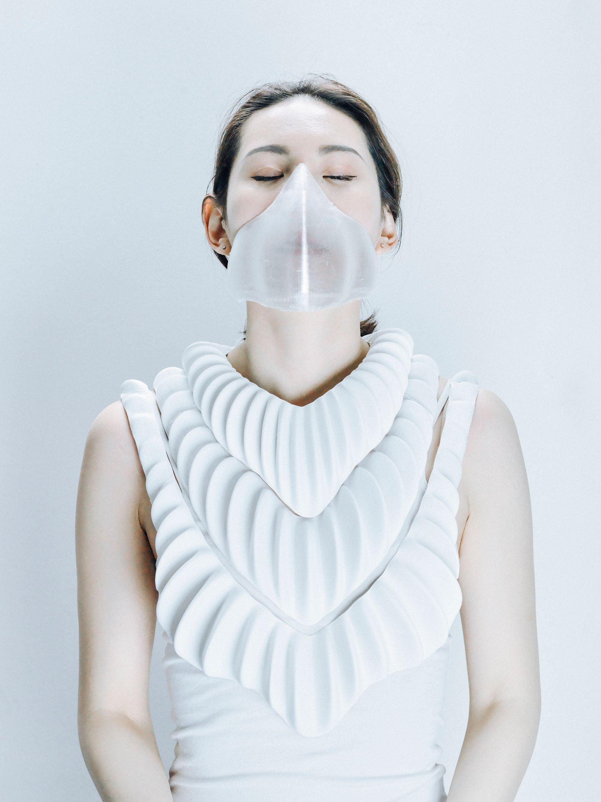 "Prototype visuel du ""vêtement-branchie"", © Jun Kamei, Photo par Mikito Tateisi"